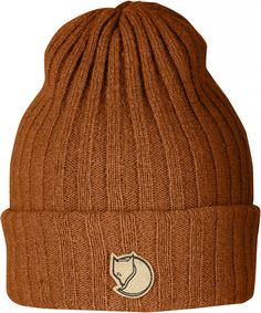 Fjallraven Byron Thin Unisex Beanie Hat Blue One Size. Lightweight and warm rib knitted hat in lambswool, a thinner version of the popular Byron Hat. Little leather logo on the side. Snowboard Style, Bandana Cap, Men's Beanies, Fox Hat, Holiday Hats, Shetland Wool, Cocktail Hat, Hats Online, Lappland