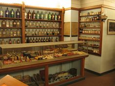 Museum of Surgical Science, Vintage Pharmacy