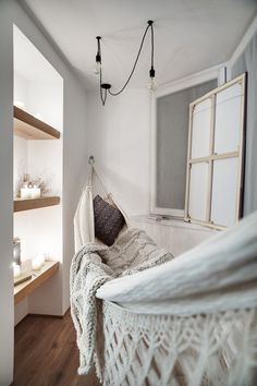 Cozy Hammock Mini In Your Home Outdoor or Inside Ideas. Luxury Cozy Hammock Mini In Your Home Outdoor or Inside Ideas. Perfect Patio Design Ideas that Will Blow Your Mind Hammock In Bedroom, Indoor Hammock Bed, Dream Bedroom, Sleeping Hammock, Hanging Hammock, Hammock Chair, Hammock Stand, Deco Design, Design Case