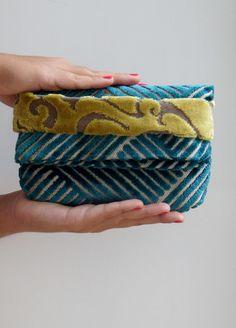 ladies clutch Foldover Clutch mini bag  Geometric Clutch Bag gift ideas for her velvet clutch https://www.etsy.com/it/listing/210579825/piccola-borsa-a-mano-in-velluto-turchese