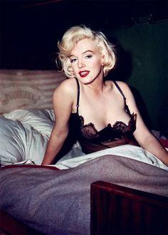 Vintage Pinups - Marilyn Monroe