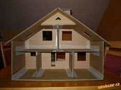 Domeček pro panenky z kartonu