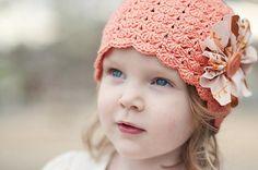 Детская шапка крючком из ракушек