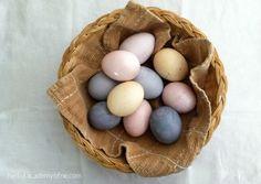 Homemade Natural Easter Egg Dye - bookmark for later!