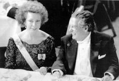 El Nobel junto a la princesa Cristina de Suecia.  Archivo / EL UNIVERSAL