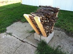 EASY TWIG FIRE STARTER HOLDER FOR YOUR BACKYARD FIRE PIT - DIY - Cheap!