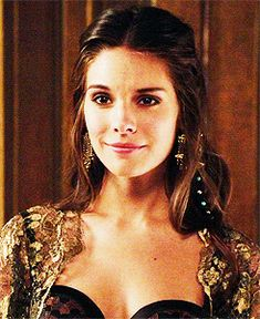 Caitlin Stasey gif hunt Under the cut you will find gifs of Caitlin Stasey. Kenna Reign, Lady Kenna, Marie Stuart, Caitlin Stasey, Reign Fashion, Mary Queen Of Scots, Character Aesthetic, Face Claims, Role Models