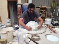 ¿Qué está haciendo nuestro querido Salva?  #cerámica #handmade