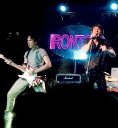 #ZachIrons #HarryHayes @IRONTOMband #DynamicDuo ripping it up on tour opening for @AWOLNATION #RUNtour