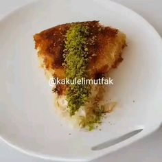 Sweet Recipes, Cake Recipes, Garlic Butter Shrimp, Indian Dessert Recipes, Sweet Pastries, Kunafa Recipe, Turkish Recipes, Diy Food, Food Videos