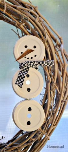 Mason Jar Lid Snowman - - Another junky snowman is on tap for today. I just can't help myself, they're so darn cute! This little cutie is made from Mason Jar Lids . Jar Lid Crafts, Baby Food Jar Crafts, Mason Jar Crafts, Diy Crafts, Snowman Crafts, Christmas Projects, Holiday Crafts, Snowman Wreath, Baby Jars