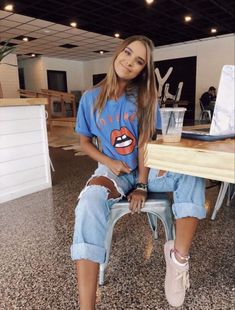 Ideas For Moda Hipster Fall Outfits Schools Mode Outfits, Fashion Outfits, Outfits For Concerts, Women's Fashion, 80s Rock Fashion, Fashion Ideas, Lazy Fashion, Urban Fashion Women, Fashion Today