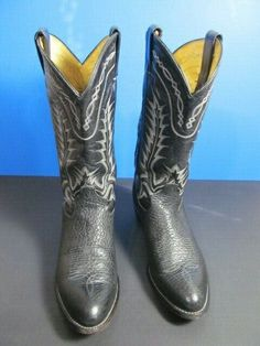 Tony Lama Men's Western Cowboy Black Bullhide Boots Style 6903 Size 8 D Western Cowboy, Western Boots, Cowboy Boots, Men Dress, Dress Shoes, Women's Motorcycle Boots, Boots And Leggings, Biker Gear, Boots Style