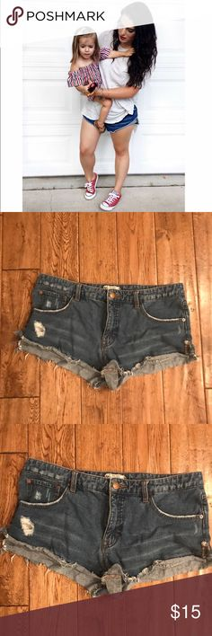 Free People jean shorts 🌿 Adorable Free People denim shorts 🌿 Free People Shorts Jean Shorts