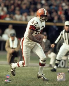 Paul Warfield early days with the Browns. I watched him as a kid. Incredible. Frequently cut across the middle for the pass, always got walloped, always hung on, always jumped up for the next play