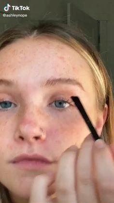 Edgy Makeup, Cute Makeup, Eyebrow Makeup, Skin Makeup, Eyebrow Tips, Eyeshadow Makeup, Makeup Eyebrows, Crazy Makeup, Makeup Looks Tutorial