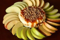 Apple slices & caramel sauce