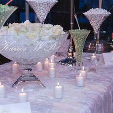 Confettata allestita in uno chalet sulle piste da sci di Limone Piemonte - Italia | Wedding designer & planner Monia Re - www.moniare.com | Organizzazione e pianificazione Kairòs Eventi -www.kairoseventi.it | Foto Marika Virgilio