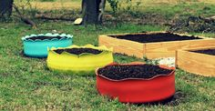 tires turned into beds Tire Planters, Old Tires, Cool Pins, Raised Garden Beds, Stepping Stones, Outdoor Furniture Sets, Backyard, Indoor, Interior