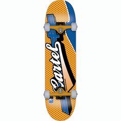 Skateboard Cartel modelo Kid Sports medida 7'5'' disponible en 4 colores.La marca francesa fabrica sus tablas con 7 láminas de arce canadiense tratado convenientemente para ofrecer un skate de calidad y duradero. El modelo Kid Sports completo viene con Trucks Electra y ruedas Cartel. Disponible en cuatro combinaciones de color azul-agua/lima, rojo/dorado, azul/naranja y amarillo/púrpura.Características del skate:7 Ply Full Canadian Maple29.5