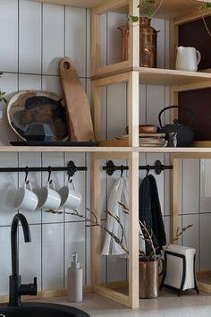 Shelf design over and around the sink Kitchen Shelves, Kitchen Decor, Kitchen Design, Interior Decorating, Interior Design, Shelf Design, Really Cool Stuff, Designer, Room