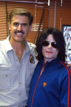 """alwayspeechless: myinspirationmj: via all4michael - Zoo Keeper Ron Magill talks about a visit by Michael Jackson to the Miami Metro Zoo: """"I've never had a nicer gentleman, a more appreciative person, with more well behaved kids, come to (my) zoo. Not what I expected. I've hosted a lot of celebrities and, quite frankly, they're not pleasant people to be around: they're (often) surrounded by bodyguards, they have a """"holier than thou"""" attitude. They think you roll up a red carpet, you're ..."""
