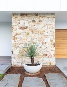 Stone Styles Santorini Random Walling provides subtle tones of white and cream to create a truly contemporary experience, perfect for beach and coastal settings Stone Cladding Exterior, Sandstone Cladding, Wall Exterior, Stone Feature Wall, Stone Wall Design, Garden Retaining Wall, Faux Stone Panels, Outdoor Stone, Patio Interior