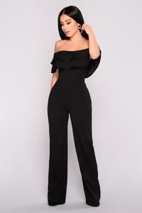 Fashion Nova Black Jumpsuit Small Ready To Ruffle Jumpsuit Cute Outfit Prom Outfits, Mode Outfits, Classy Outfits, Chic Outfits, Fashion Outfits, Jeans Fashion, Prom Jumpsuit, Ruffle Jumpsuit, Formal Jumpsuit