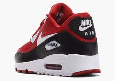 """#sneakers #news The Nike Air Max 90 Returns With A New """"Bred"""" Look"""