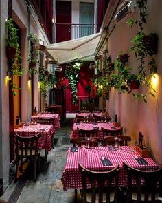 'La Antoñita', el lugar donde la gastronomía e historias van de la mano | Secretos de Madrid