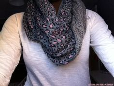 Omg need that scarf