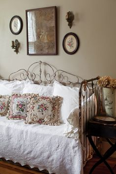♥ this guest room!