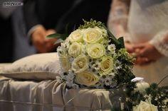 http://www.lemienozze.it/gallerie/foto-bouquet-sposa/img34608.html Bouquet sposa di rose e margherite