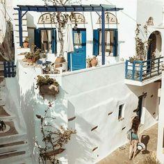 Μαγικός Τριποταμος!!! Φωτο: @billyheis  #τηνος #tinos_island #visittinos #visitgreece #wu_greece #travelingreece #cyclades #greekislands #cyclades_islands #welovegreece #i_promote_tinos #ig_greece #aegeanislands #aegensea #greece #tinos Tinos Greece, Alleyway, He's Beautiful, Greek Islands, Colours, Table Decorations, Gallery, Places, Painting