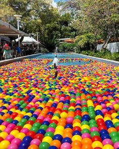 Impossible to pass by and not join the kids throwing al of these balls around. #nevergrowup . . . . . #miami #miamibeach #sobe #color #travel #design #events #eventprofs #lincolnroad #style #weekend #fitnesslife #fitnessaddict #stayfit #lifestyle #sundayfunday #eventpros #workhardplayhard #fountain #carbottistyle #miamistyle #designinspiration by ecarbotti.  style #fountain #miamibeach #workhardplayhard #nevergrowup #miamistyle #sobe #fitnesslife #stayfit #eventpros #designinspiration…