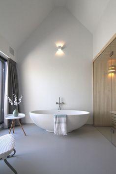 #solidsurface #corian #ligbad #white #bathroom #ligbad