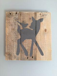 """Frame """"Bambi"""" made of wooden pallet de la boutique Lilyandfriends sur Etsy"""