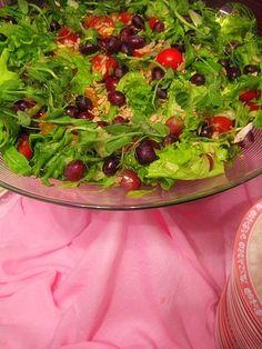 Rippijuhlatarjoilut – Hellapoliisi Arugula, Seaweed Salad, Salad Recipes, Salsa, Food And Drink, Menu, Favorite Recipes, Ethnic Recipes, Drinks