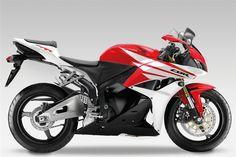 2012_Honda_CBR600RR_04