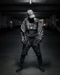 Rate this fit 🙏🔥🖤 Comment below if you like it 👁 - - Mode Mode Cyberpunk, Cyberpunk Clothes, Cyberpunk Fashion, Mode Streetwear, Streetwear Fashion, Style Du Japon, Mode Sombre, Dark Fashion, Steampunk Fashion