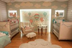berços no quarto de gêmeos Twin Baby Rooms, Baby Bedroom, Twin Babies, Baby Room Decor, Baby Cribs, Girls Bedroom, Twin Room, Nursery Twins, Nursery Room