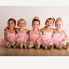 18 Ideas For Photography Kids Ballet Baby Ballet, Ballerina Dancing, Little Ballerina, Ballet Dancers, Ballerinas, Ballerina Photography, Dance Photography Poses, Children Photography, Dance Picture Poses