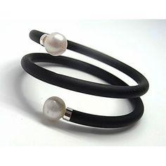 Pulsera de plata de primera ley de caucho con dos vueltas y con dos perlas blancas