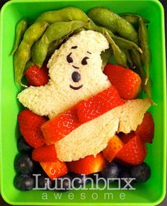 Heather Sitarzewski has undertaken a mission to make a different bento for her son all school year long. These are her amazing bento character box lunches. Cute Bento Boxes, Bento Box Lunch, Lunch Boxes, Lunch Recipes, Great Recipes, Favorite Recipes, Cute Food, Good Food, Yummy Food