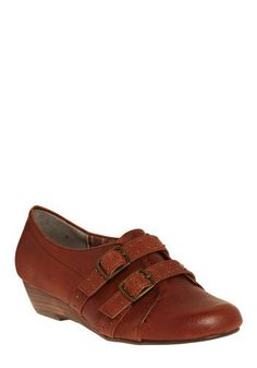 College shoes shopping-list-closet