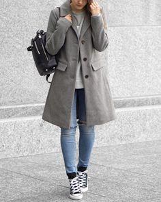 A Little Detail - Winter Fashion // #woolcoat #greywoolcoat #converse #calvinklein #sweatshirt #backpack #winterfashion