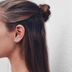 No Piercing Criss Cross Rook Piercing Imitation/X ear cuff/twisted hoops cartilage ear cuff/X rings ear gold fill ohr manschette - Custom Jewelry Ideas Piercings Bonitos, Ear Peircings, Cute Ear Piercings, Double Ear Piercings, Triple Lobe Piercing, Double Cartilage, Tongue Piercings, Cartilage Piercings, Rook Piercing