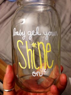 for FIRE FLYS! oh my goodness, mason jars with country lyrics will fill my house. Country Lyrics, Country Songs, Country Girls, Country Quotes, Cute Crafts, Diy And Crafts, Arts And Crafts, Jeri, Painted Mason Jars
