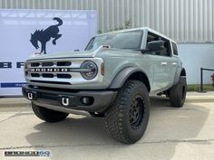 2020 Bronco, New Bronco, Classic Ford Broncos, Suv Trucks, Expedition Vehicle, Car In The World, Custom Trucks, Sexy Cars, Cool Cars