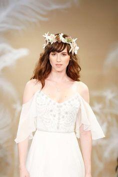 Clásico, recogido o de vanguardia, te traemos la más completa y hermosa galería de peinados de novia para que brilles camino al altar. ¡Encuentra el tuyo!